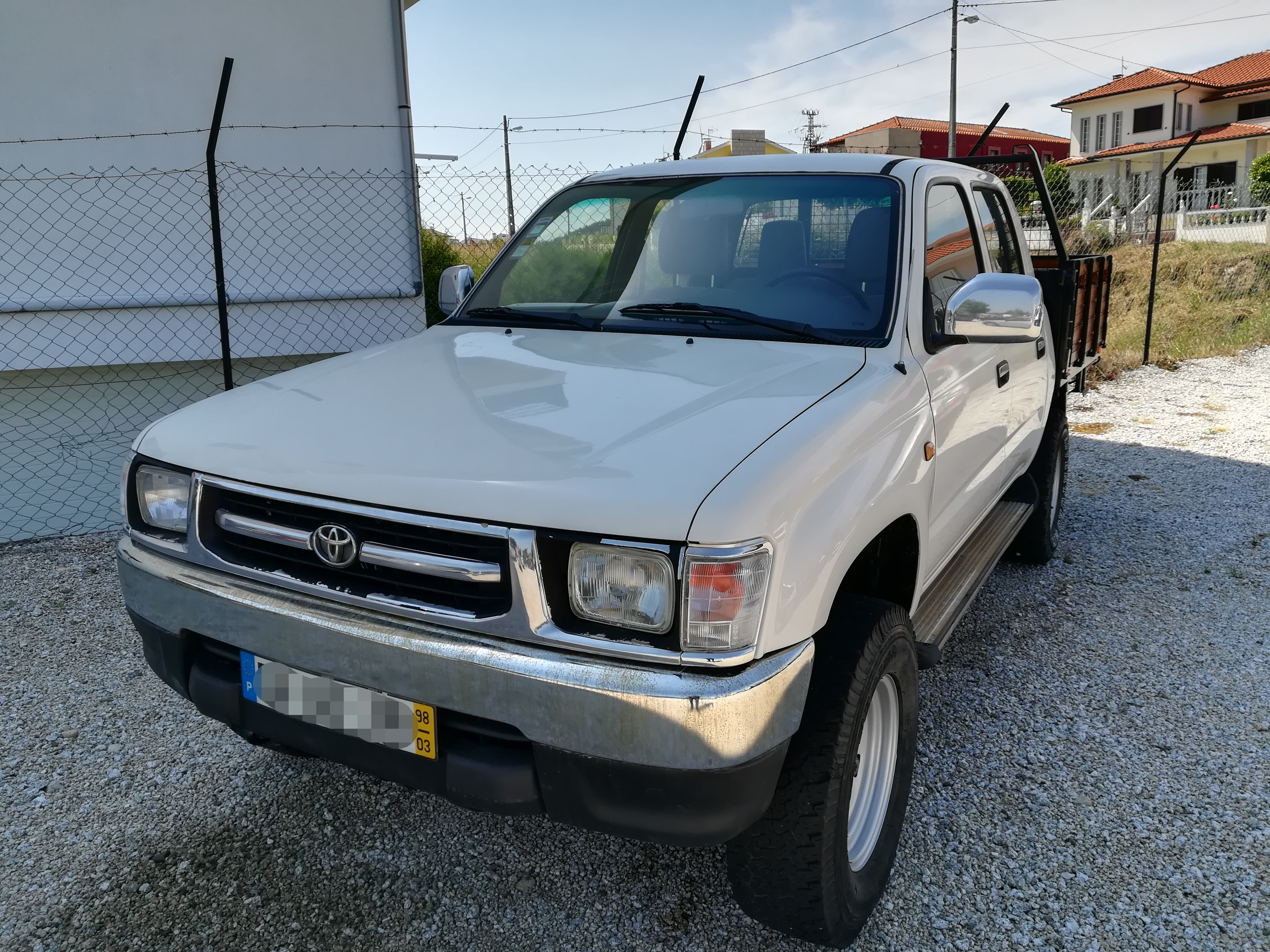 Toyota Hilux 4×4 turbo