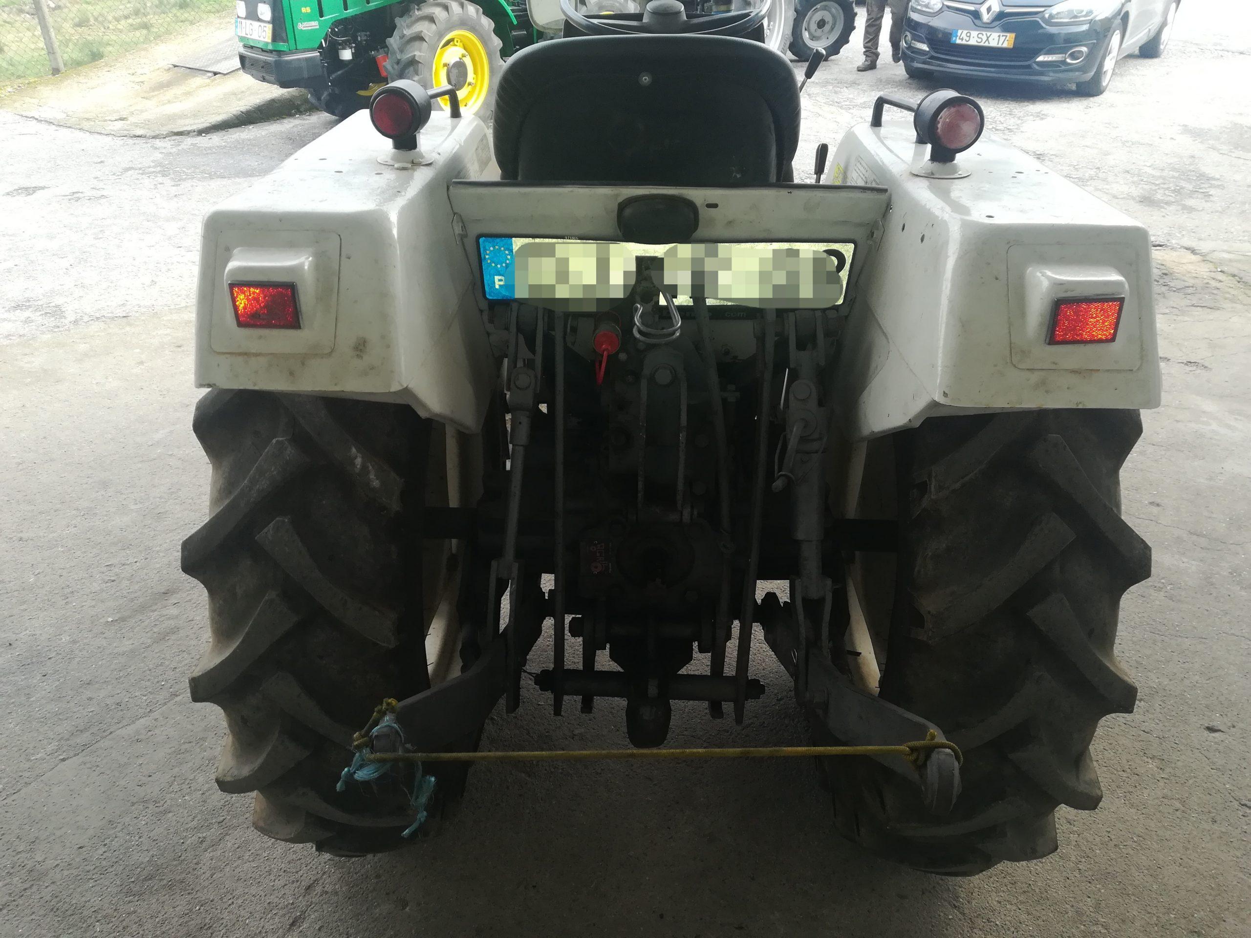 Trator mt 250