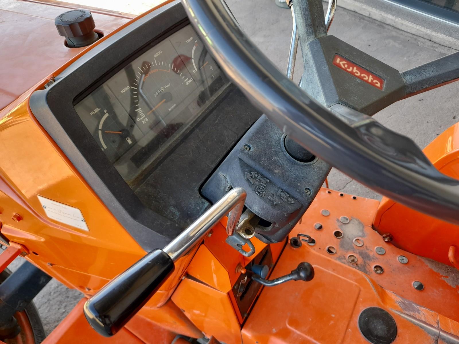 Trator kubota l2550