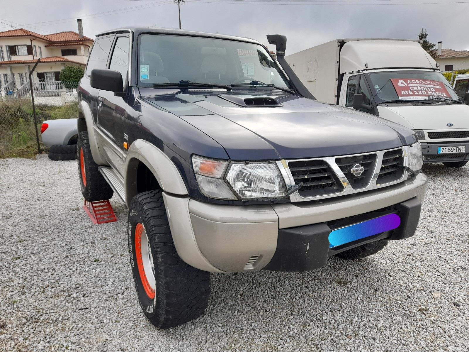 Nissan Patrol GRY61