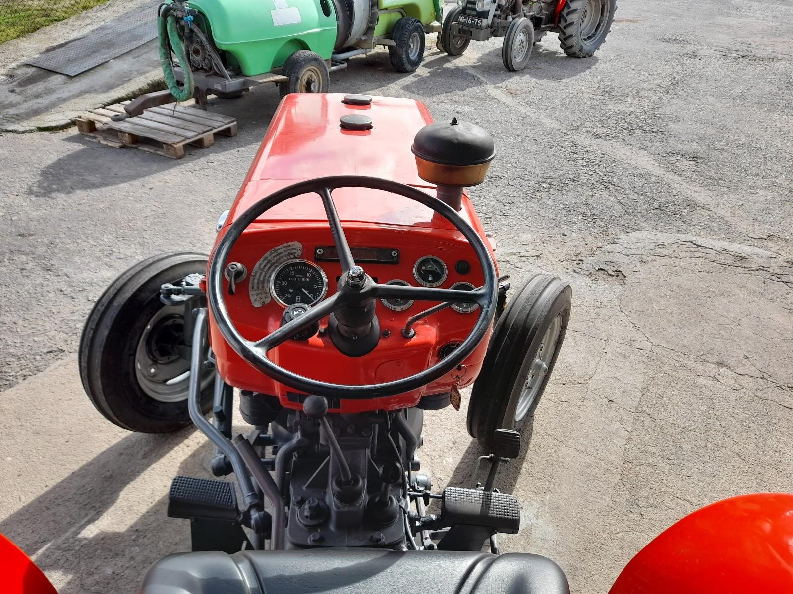 Trator Massy Ferguson 240